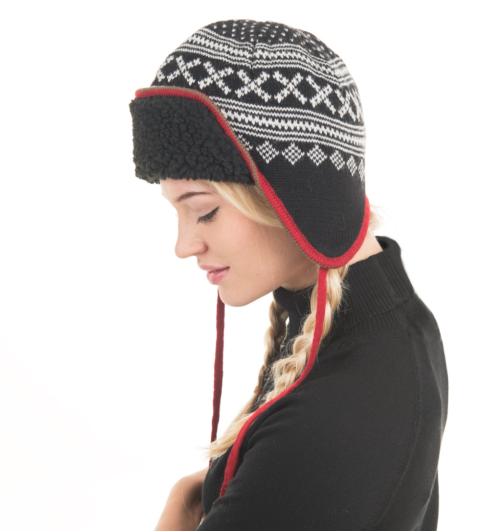 Hat with lining